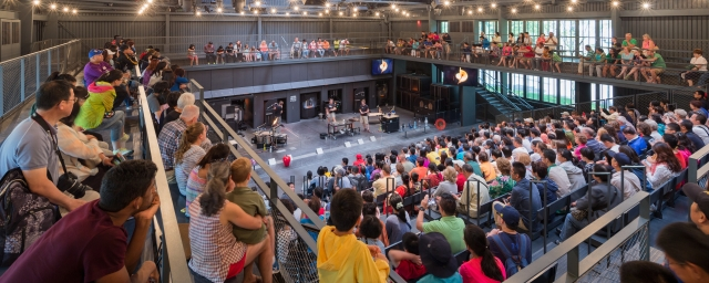 View of the amphitheater during a hot glass demo